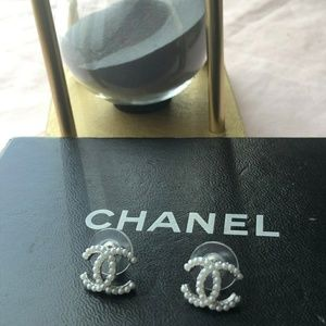 CHANEL Jewelry - 💟💟💟Chanel Earrings with box💟💟💟